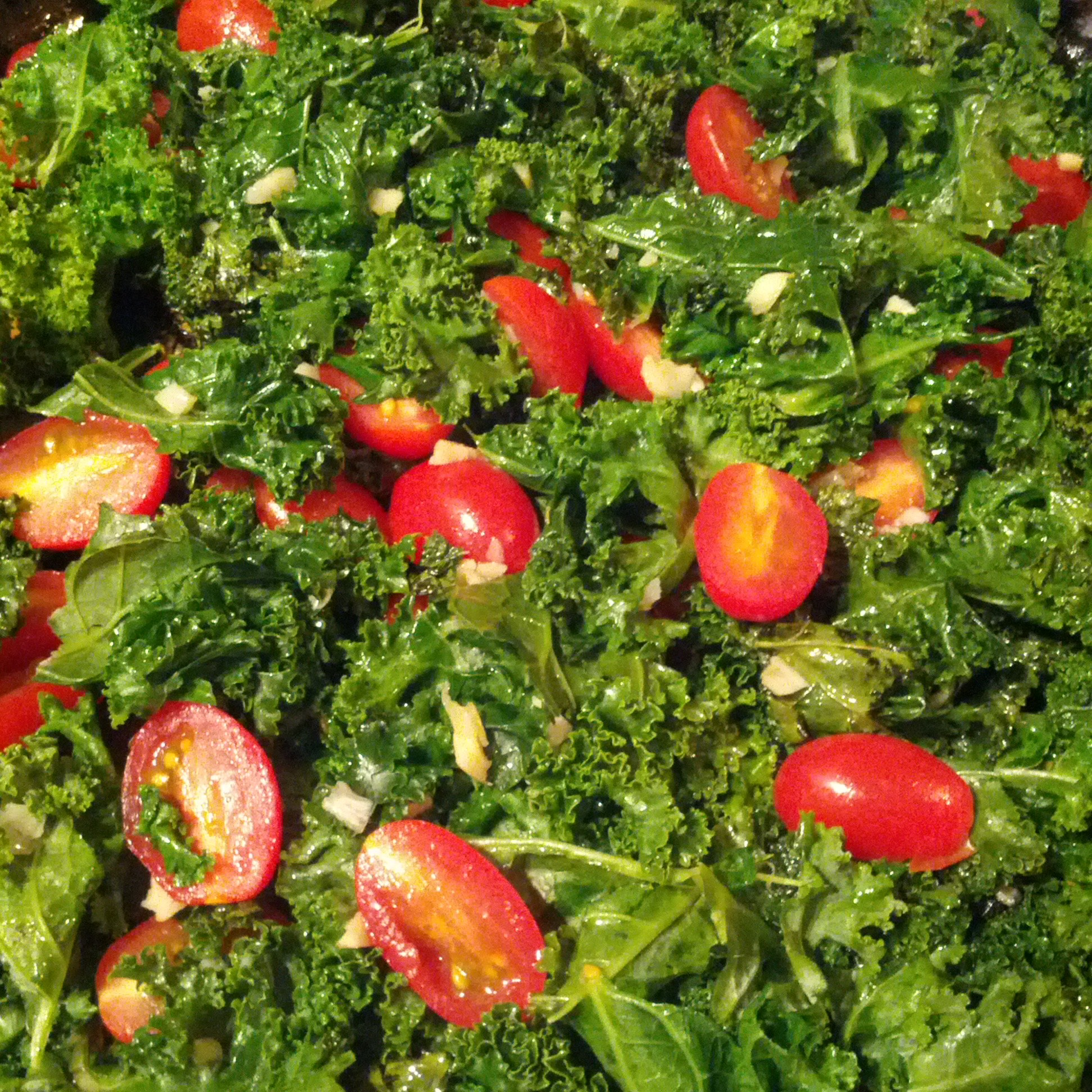 Garlic Lover's Sauteed Kale & Tomatoes