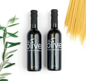 Growers Choice Gift Box – this gift box is perfect pairing of our bestselling Aged Balsamic Vinegar and our Picual Extra Virgin Olive Oil.